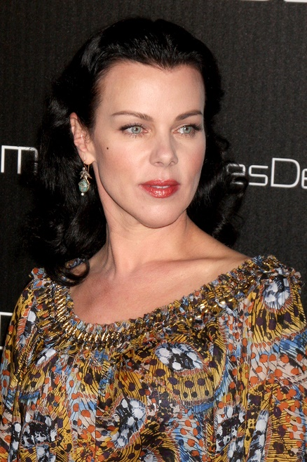 LOS ANGELES - NOV 2:  Debi Mazar arrives at the Decades Denim Fa
