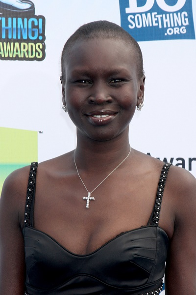 LOS ANGELES - AUG 19:  Alek Wek arrives at the 2012 Do Something