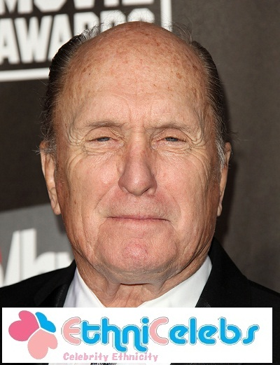 robert duvall height