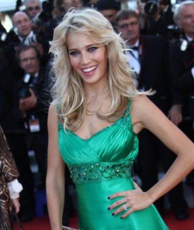 CANNES, FRANCE - MAY 22: Luisana Lopilato attends the 'Killing T