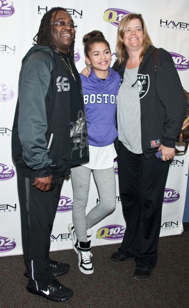 zendaya and parents