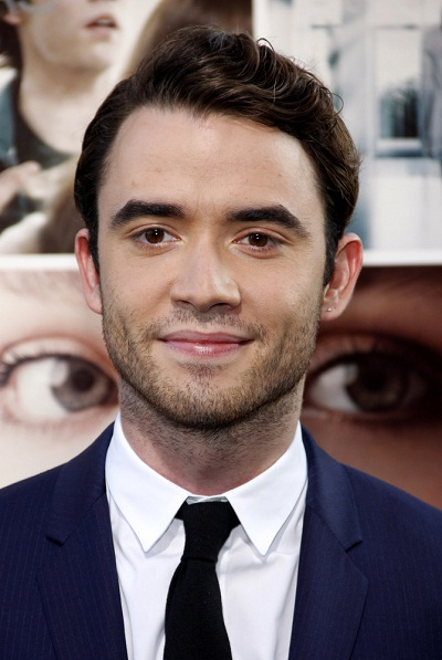 Tips: Jamie Blackley, 2017s chic hair style of the cool desirable  actor