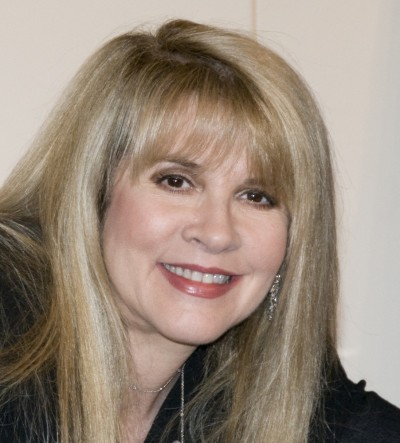 "Stevie Nicks Promotes ""Live in Chicago"" and ""The Soundstage Sessions"" at Barnes & Noble Union Square on March 31, 2009"