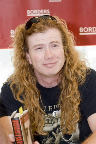 "Megadeth's Dave Mustaine ""Mustaine: Mustaine: A Heavy Metal Memoir"" Book Signing at Borders Books in Chicago - August 20, 2010"