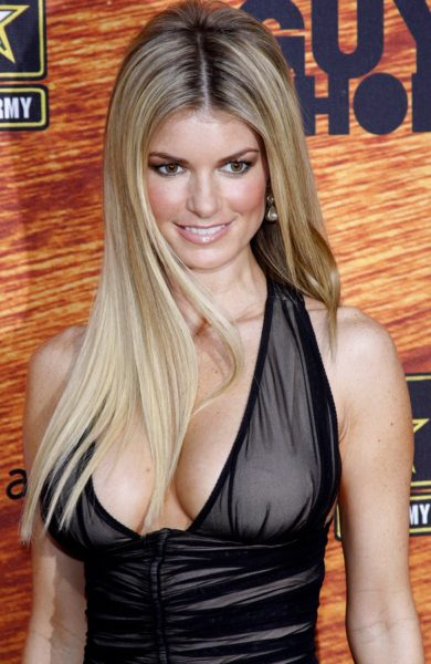 Photo of Marisa Miller and her 2018 clean make up style, products & tips
