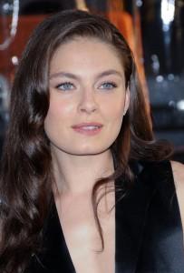 Alexa Davalos - Celebrity pictures